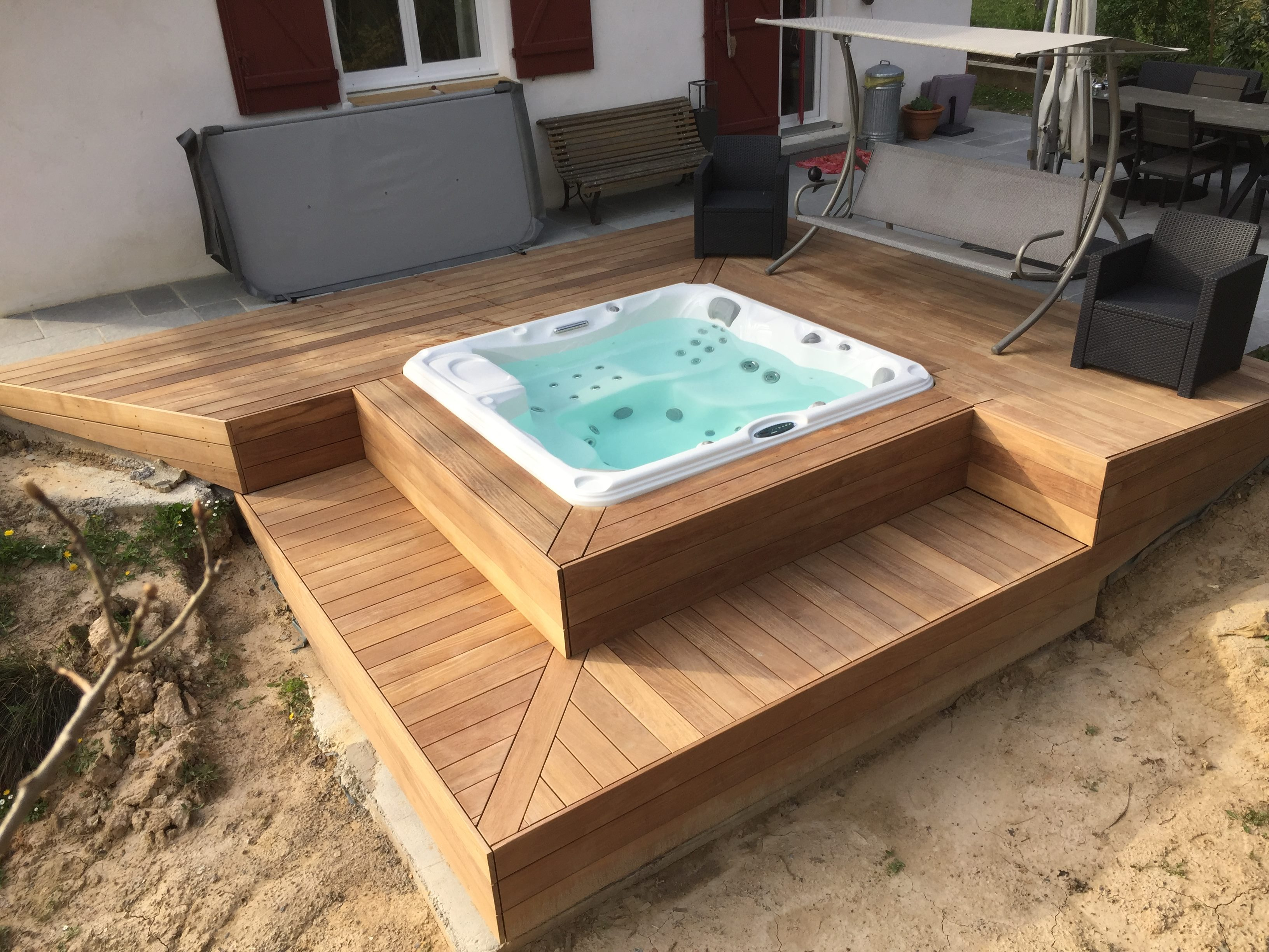 jacuzzi en bois exterieur pour terrasse latest spa en bois bain nordique jacuzzi en bois ext. Black Bedroom Furniture Sets. Home Design Ideas